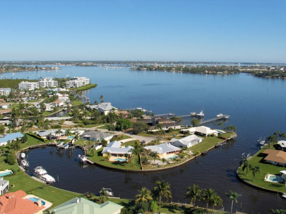 Palm City, Florida Waterfront Real Estate