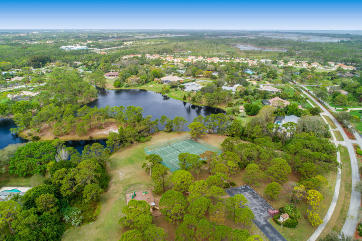 Pinecrest Lakes Homes in Jensen Beach FL